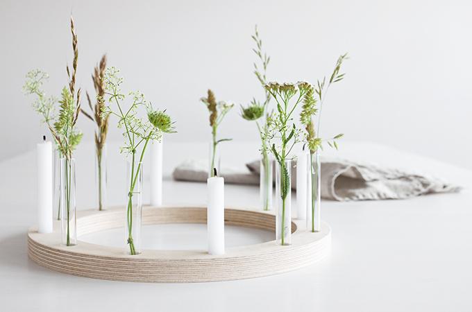 Kerzenkranz mit Gräsern