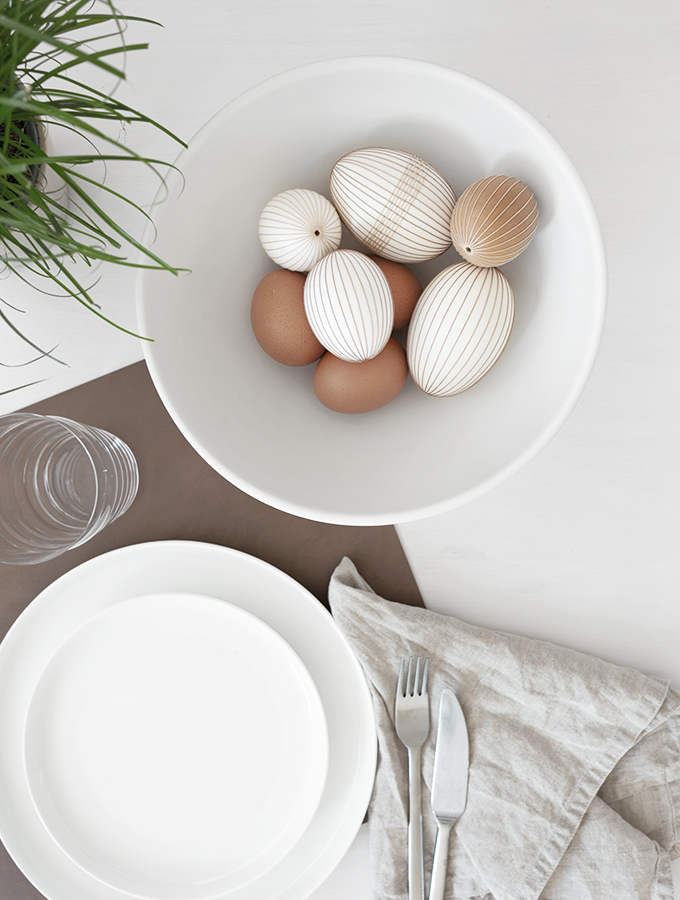 Eier mit Garn unwickeln
