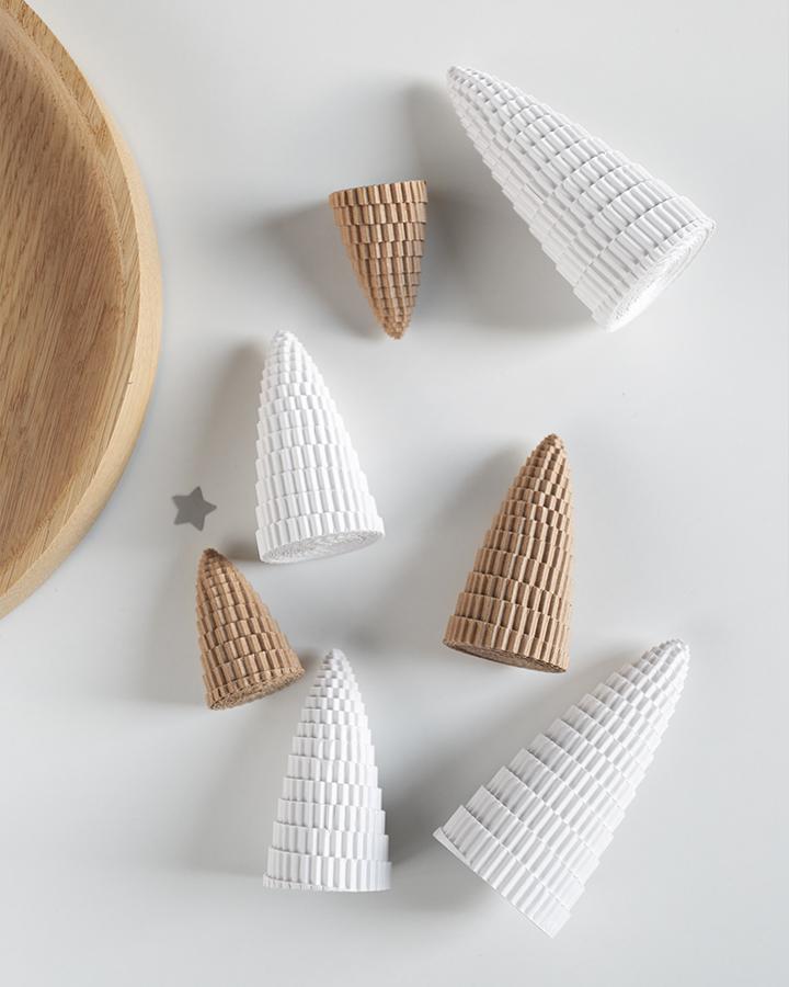 DIY Tannenbäume aus Wellpappe